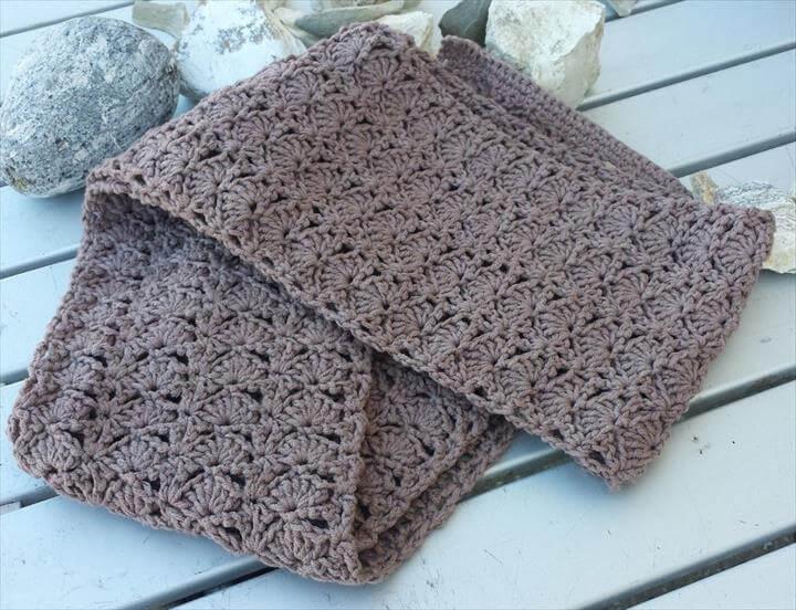 Penny's Clamfare Scarf Crochet Pattern