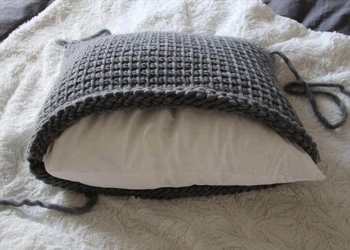 18 Beautiful Free Crochet Pillow Amp Cushion Patterns