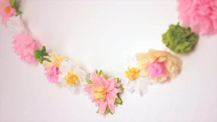 DIY: Paper Flower Garland