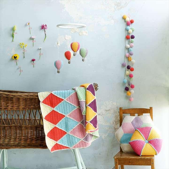 cinderella garland balloons mobile scene
