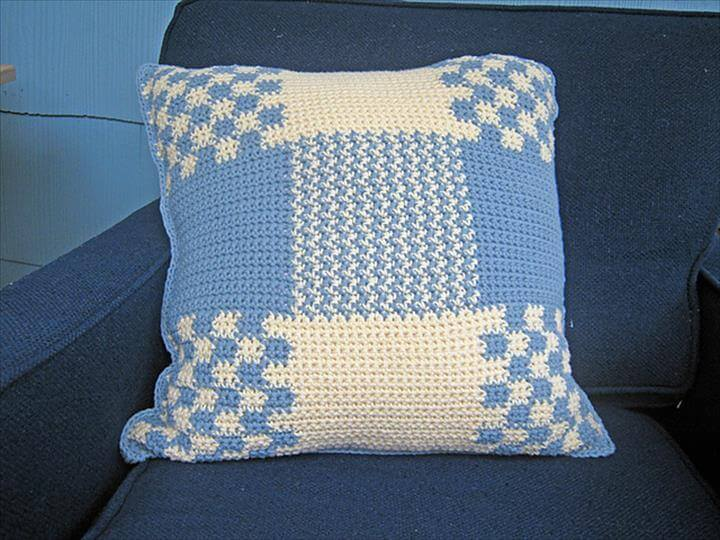 Colonial Pillow to Crochet
