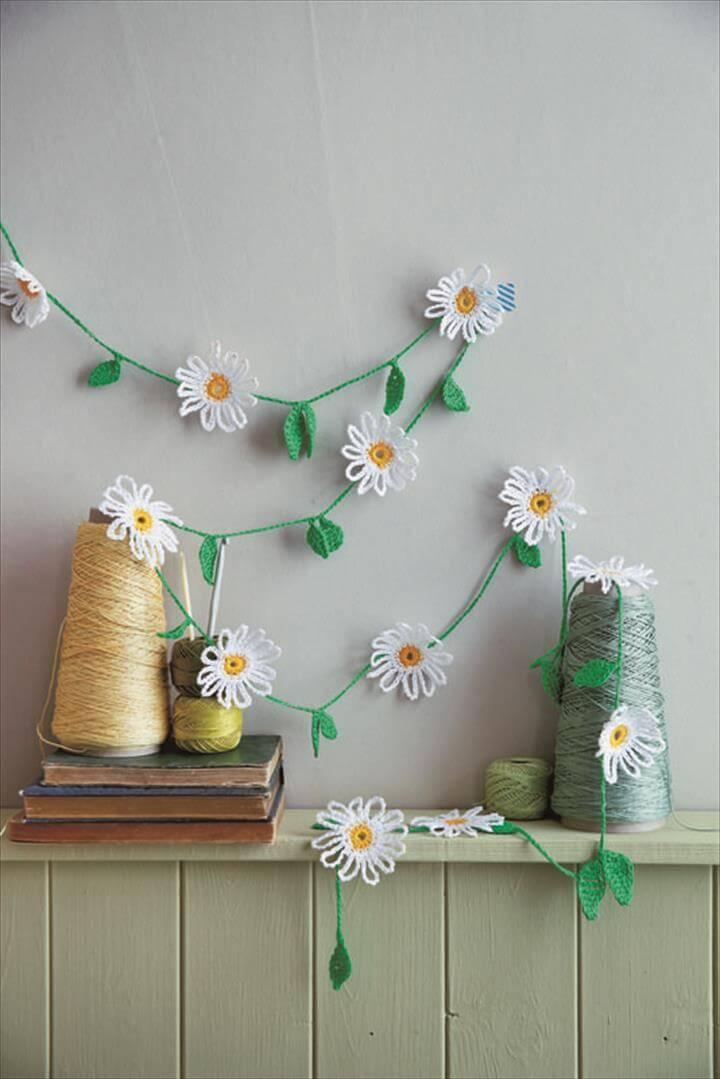 Crochet Daisy Garland