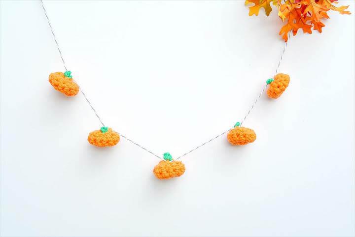 Crochet LIttle Pumpkins Garland