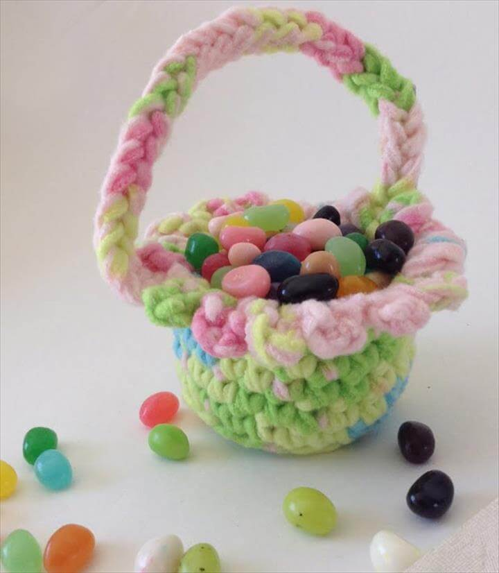 Small Easter Basket Free Crochet Pattern - Right Handed