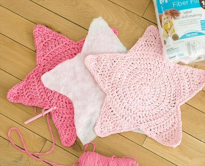 Crochet star pillow, with cotton batting