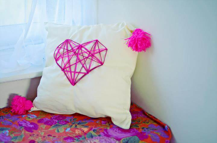 DIY Geometric Hearh Cushion