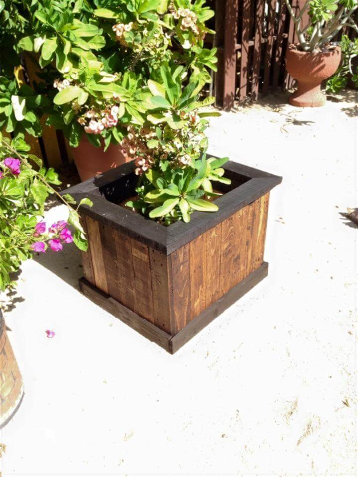 16 Awesome Pallet Garden Planter Ideas DIY To Make