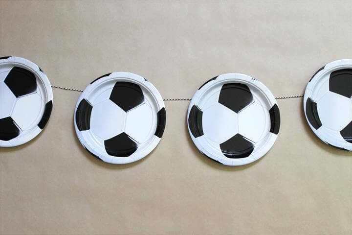 DIY Soccer Garland