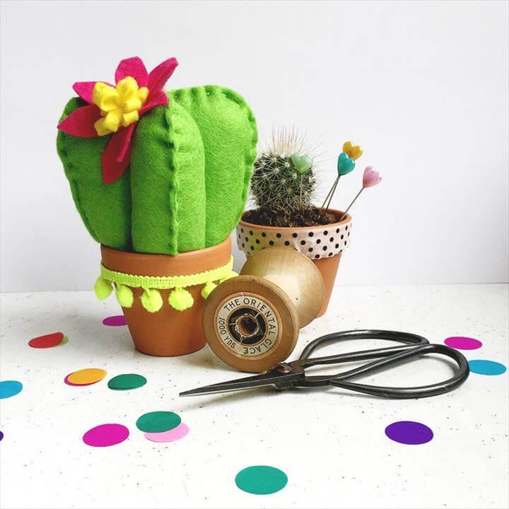 felt cactus craft kit- DIY craft kit- Craft kit- felt sewing kit-