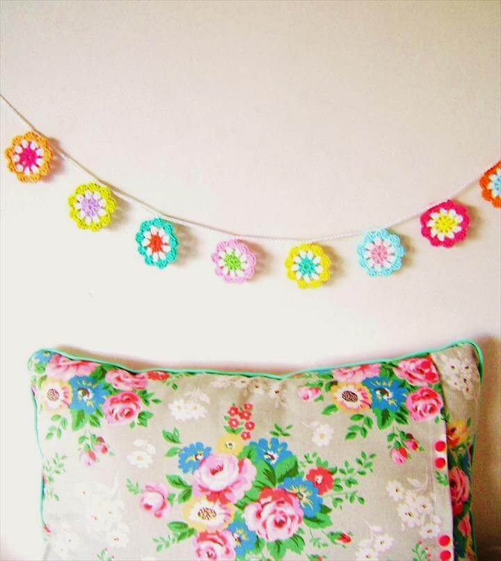 using crochet motifs - make a flower garland