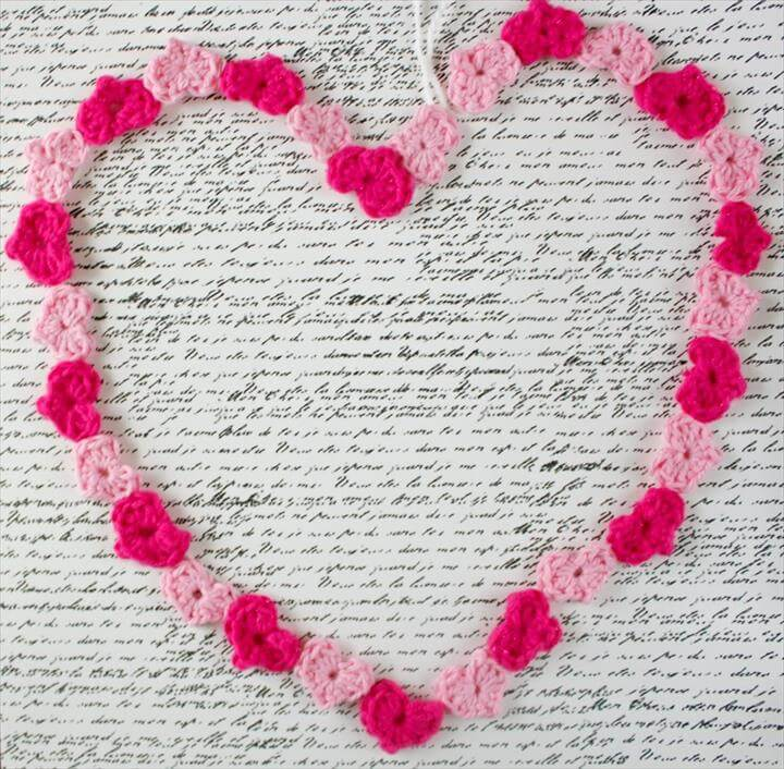 Day heart garland free crochet pattern