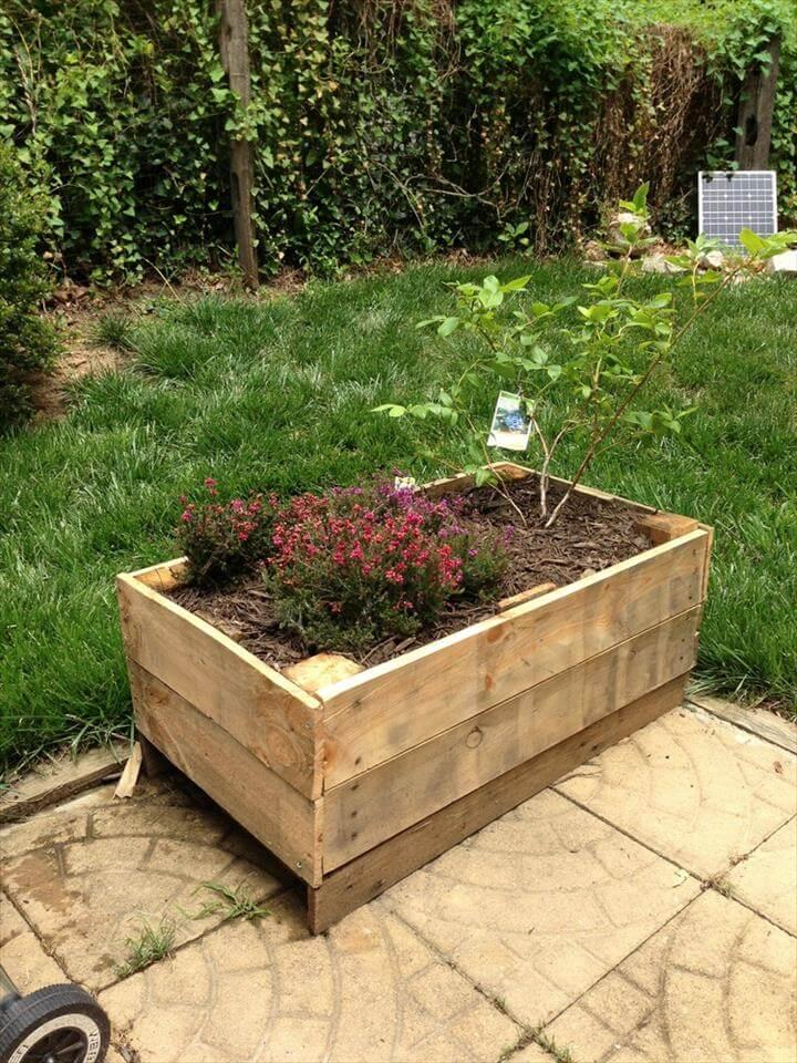 amazing pallet planter boc