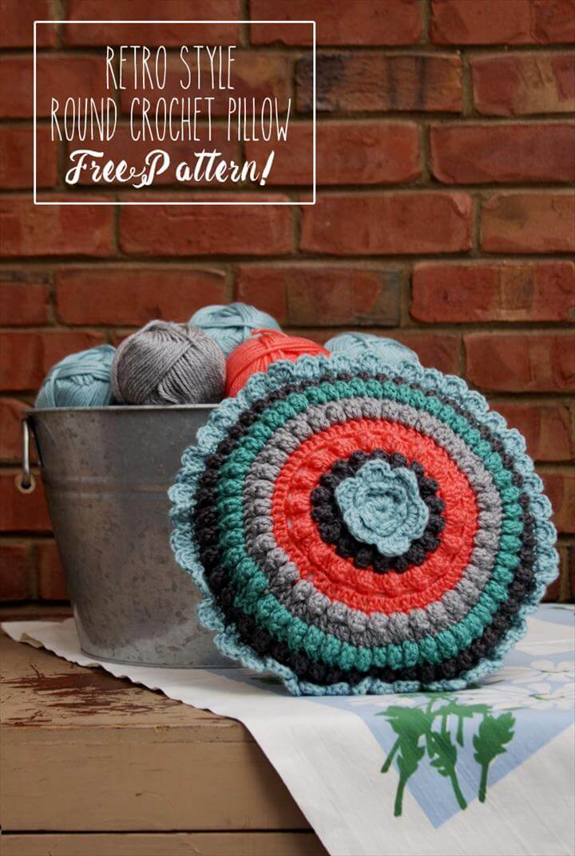 Retro Style Crochet Pillow - Free Pattern!
