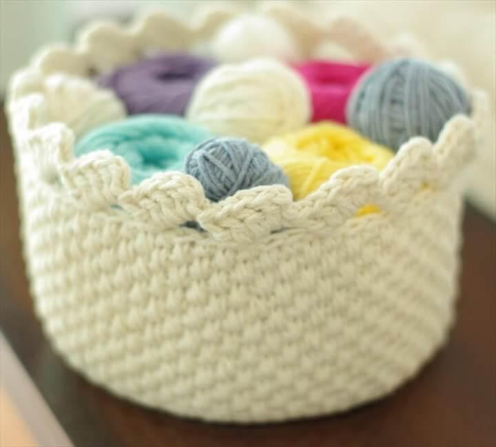 Home Decor Patterns - Round Lace Edge Crochet Basket