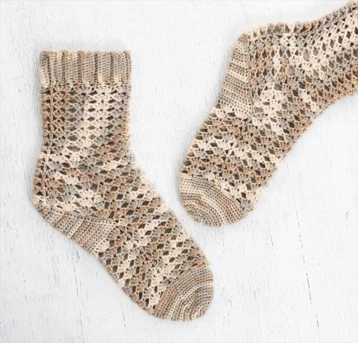 Seaside Shells Sock Crochet Kit