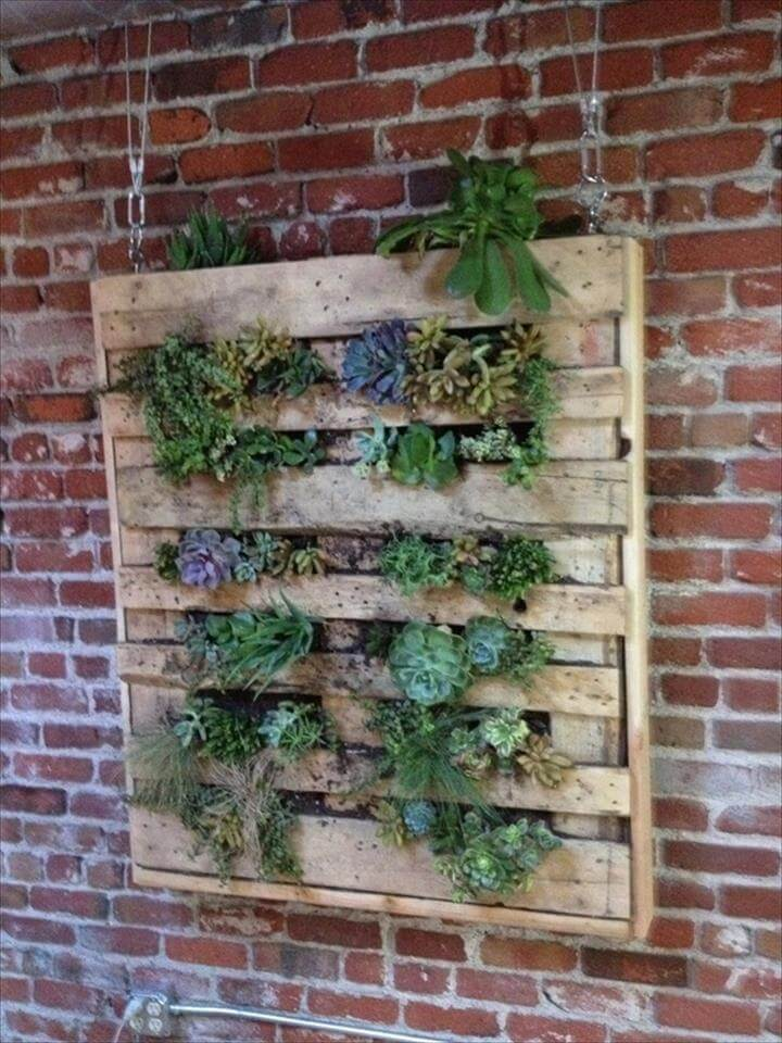 15 Handmade Pallet Garden Planters | DIY to Make