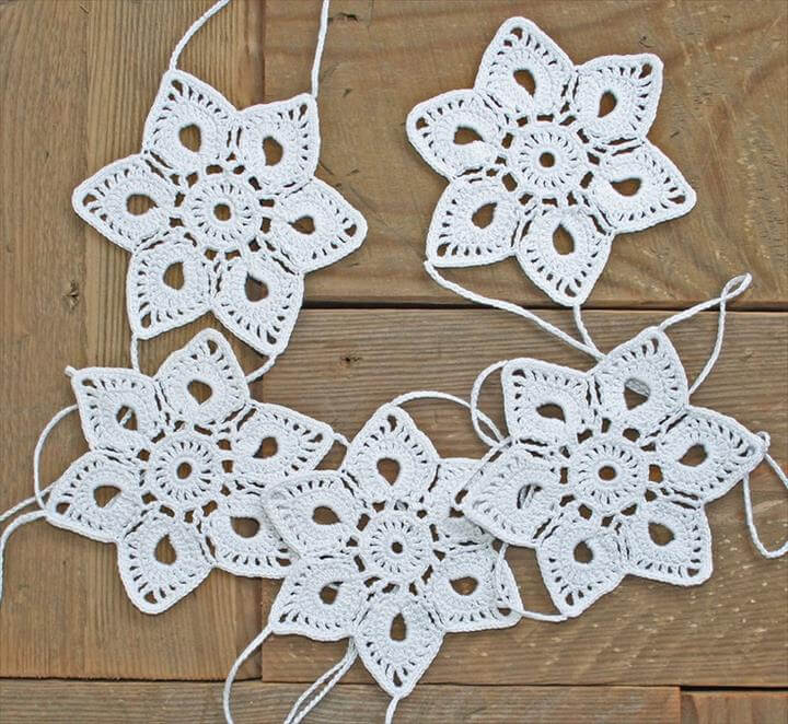 Crochet christmas decorations and Crochet ornaments, Crochet Garland, Window Hanging, Snowflake Garland, Christmas Garland, white.