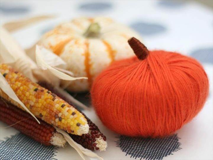 DIY Thanksgiving Yarn Pumpkins
