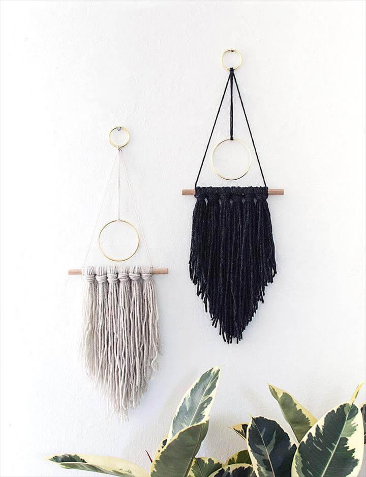 33 gorgeous no knit diy yarn project tutorials diy to make for Diy yarn wall art