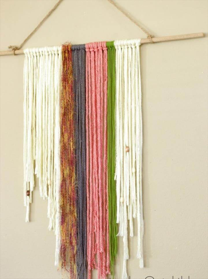 DIY Yarn Wall Hanging Tutorial | Get the boho look with your own diy project!