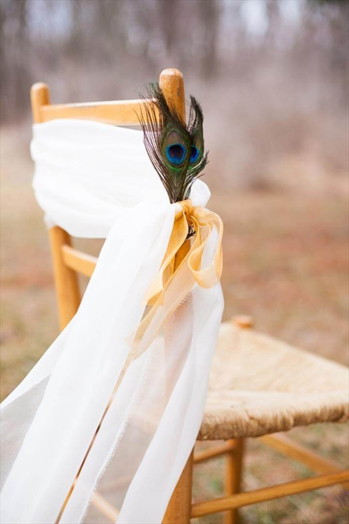 DIY peacock feather wedding decor bridal feathers