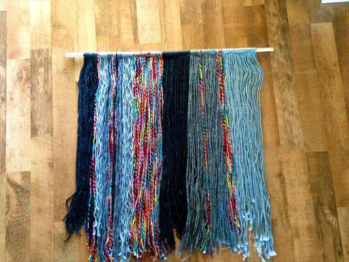 diy yarn wall hanging finished