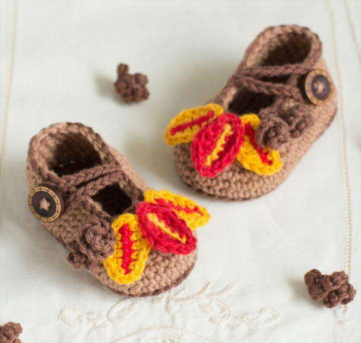Autumn Oak Baby Booties - Free Crochet Pattern