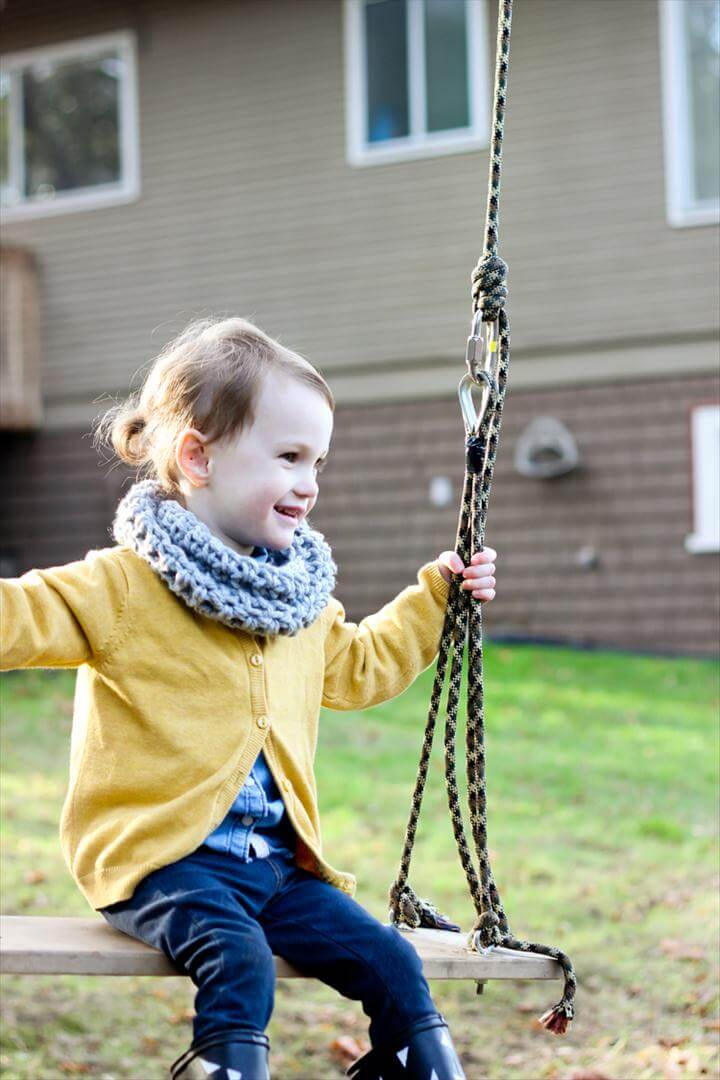 Crocheted Toddler Cowl Scarf - Free Pattern