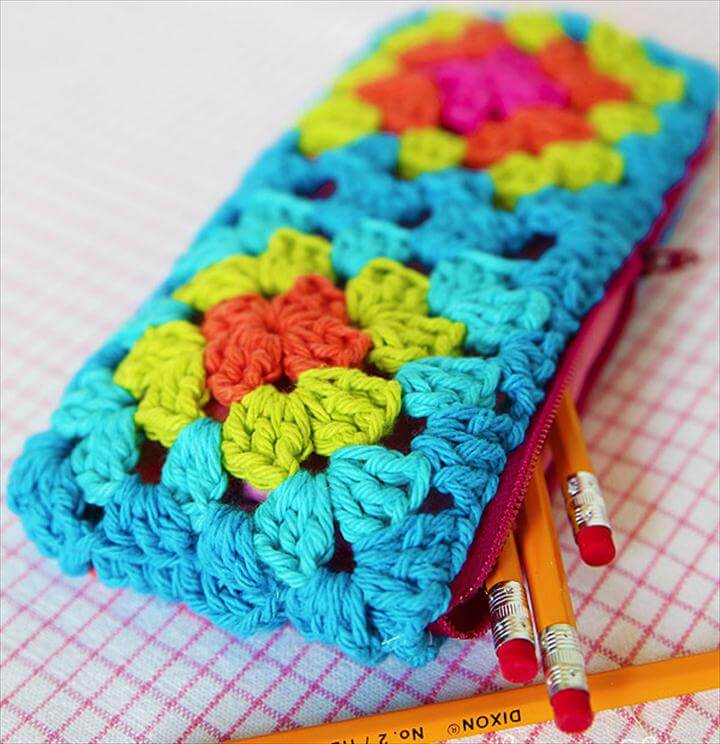 granny square zippered pouch tutorial