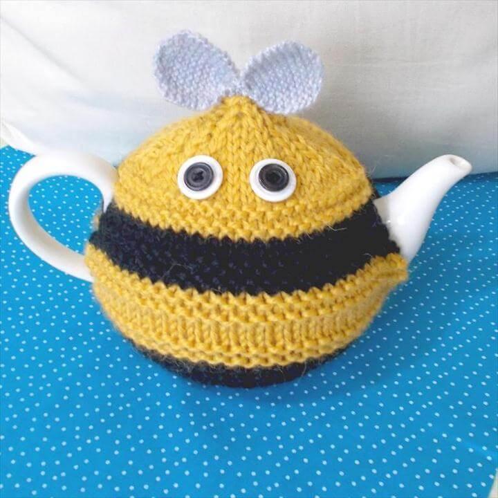 Crochet Bee Cosy