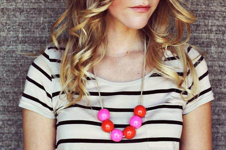 Handmade bauble necklace h
