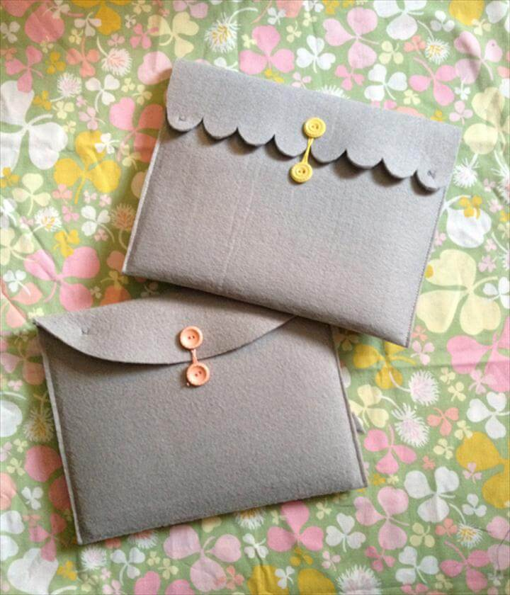Scalloped Felt Tablet Case