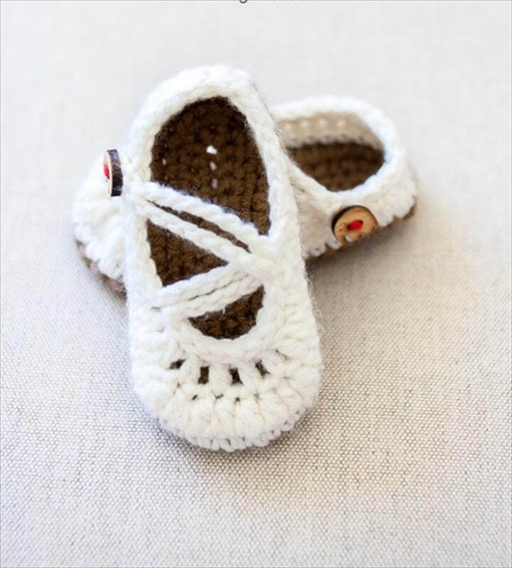 Free baby mary janes crochet pattern