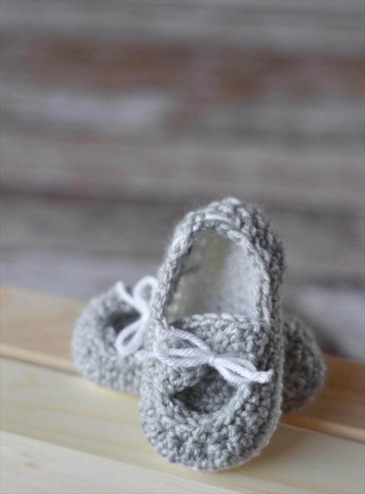 Free Crochet Pattern - Baby Boat Booties