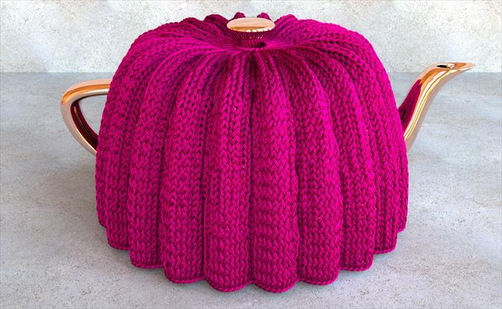 Knitted tea cozy with a Stockinette pattern formed