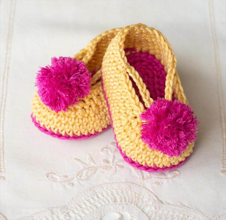 Lollipop Circus Baby Booties - Free Crochet Pattern