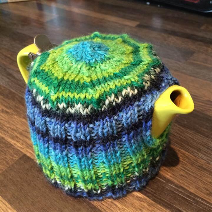 Knit tea cosy