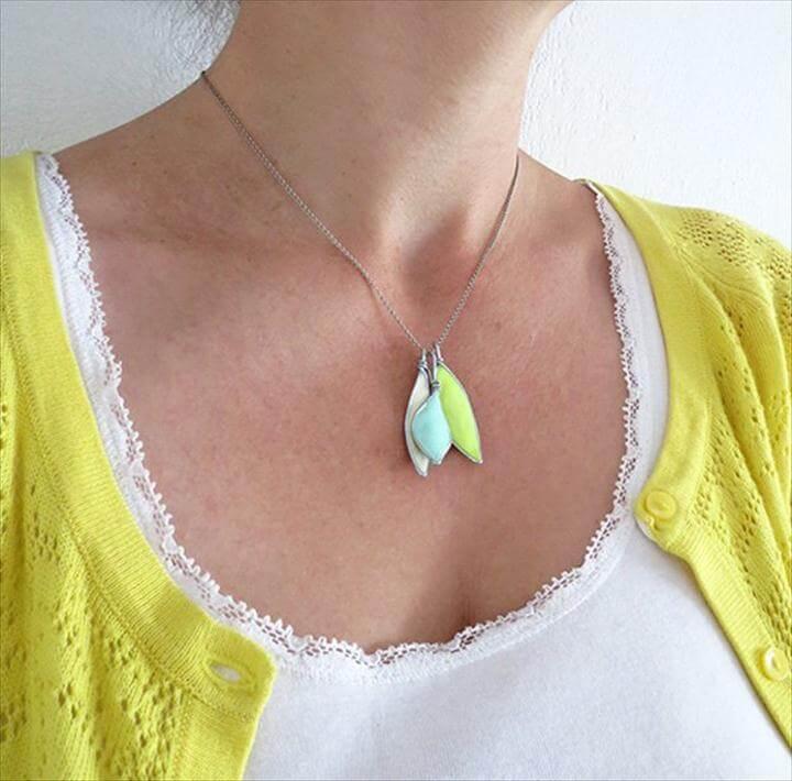 Easy DIY Pentant Necklace  