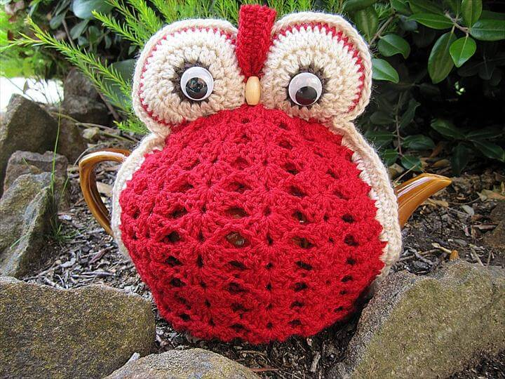 Owl Tea Cosy - Red