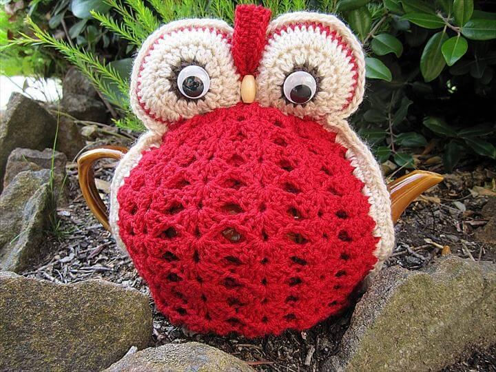 Owl Tea Cosy - Red