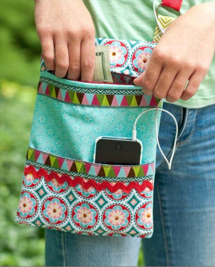 Easy Sewing Projects to Sell - Sew a Zipper Crossbody Purse - DIY Sewing Ideas for