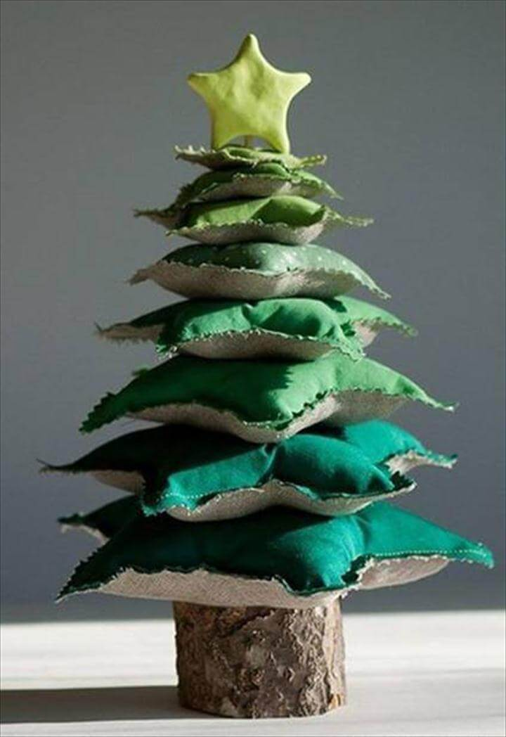 Wonderful DIY Star Pillow Tower Christmas Tree