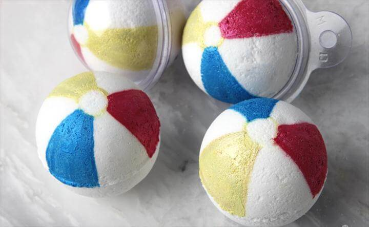 Beach Ball Bath Bomb Tutorial