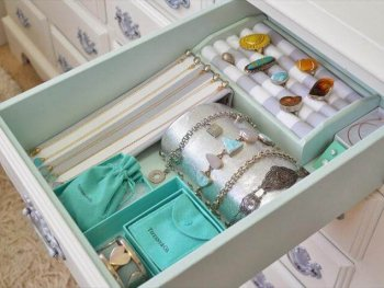 Ideas Of Diy Jewelry Box That Is Easy To Make Organizer From Framed Mirror Designs.