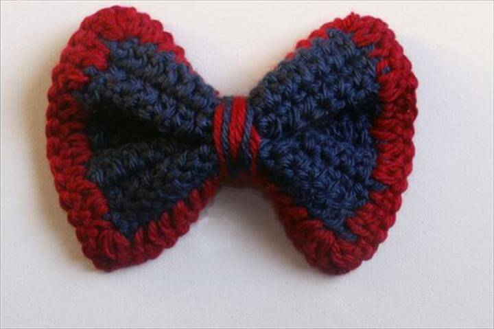 free tutorial for a handmade gift every Wednesday through Christmas. This week's ideas are crochet and knit Christmas