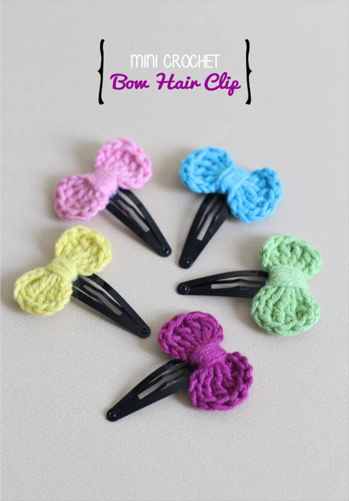 Mini Crocheted Bow Hair Clip