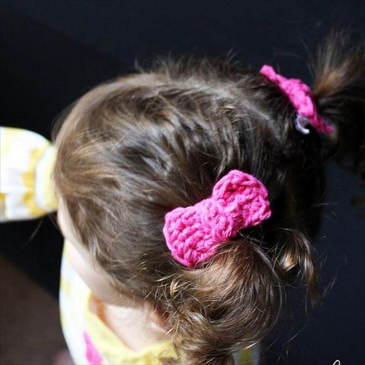 Crocheted Hair Bows (Tutorial)