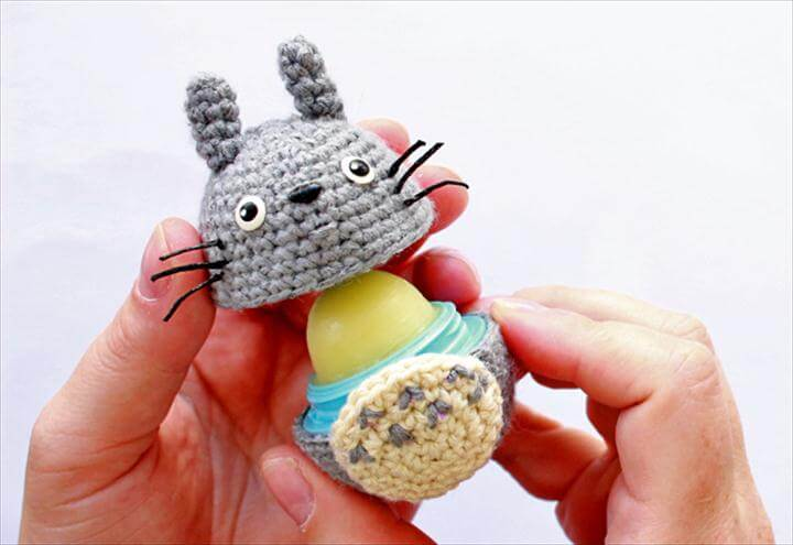 DIY eos lip balm - Amigurumi Totoro