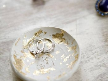 DIY Gold Leaf Clay Ring Bowl, DIY: clay ring bowl with gold leaf - would be good for the sink when