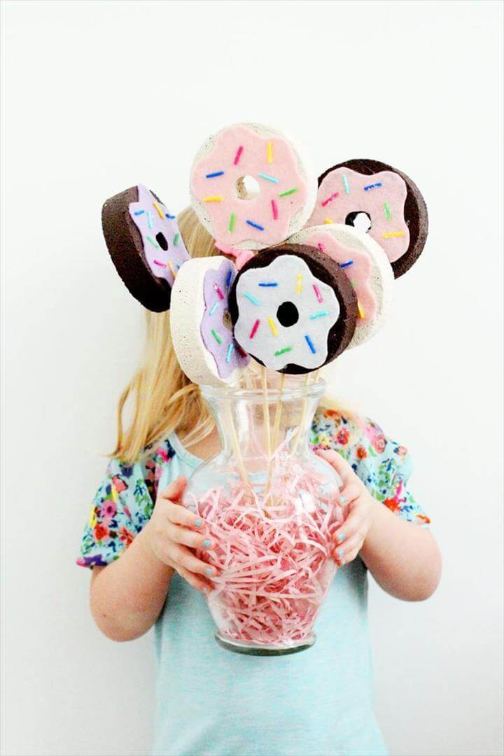 DIY Donut Bouquet, an easy craft perfect for National Donut Day, a brunch party or a just a table centerpiece, DIY Donut Bouquet,DIY donut bouquet craft for national donut day